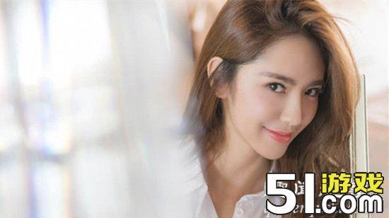 《特勤精英》,饰演军旅中单纯可爱的邻家小妹李小倩;9月,与张靖宜